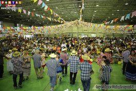 A XVII Festa Junina de Hamamatsu Festa Junina cheia
