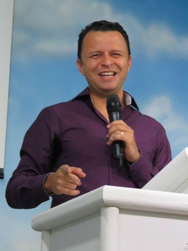 09-09-2015 [Wesley Pastor (12)