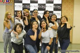 Participantes do curso de Automaquiagem